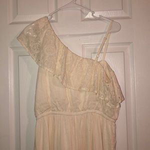 Off the shoulder sleeveless dress